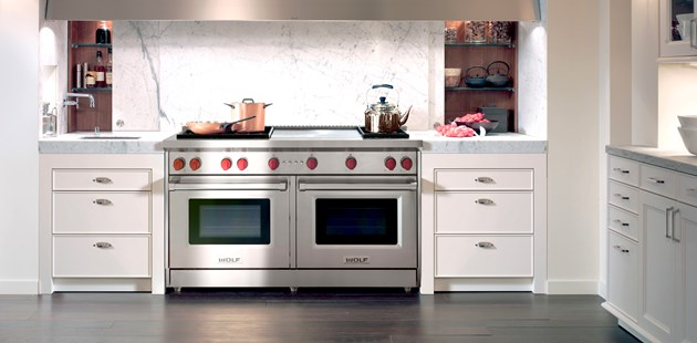 Luxury Kitchen Ranges, Ovens And Cooktops: Wolf Gas Range | Revuu: Search  For