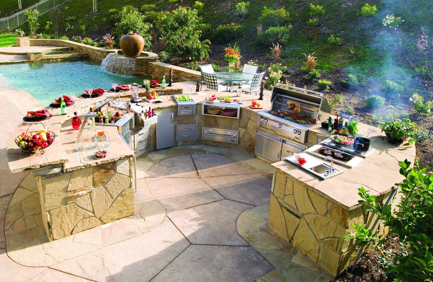 Luxury Outdoor Grills Reviewed: What to Expect From Best ... on Exterior Grill Design id=12612