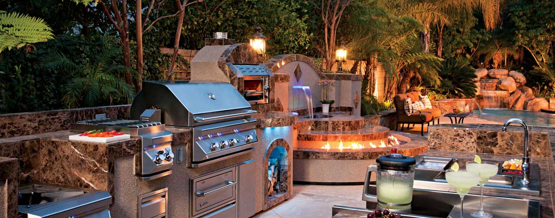 Luxury outdoor grills reviewed what to expect from best for Luxury outdoor kitchen