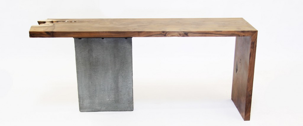 """Paige"" table designed by David Nashif"